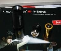 LED Lenser M1 aufgeschraubt